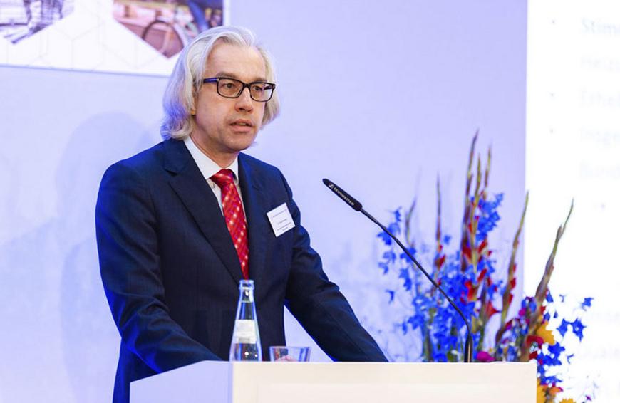 Dr. Hans Henning - DG Haustechnik